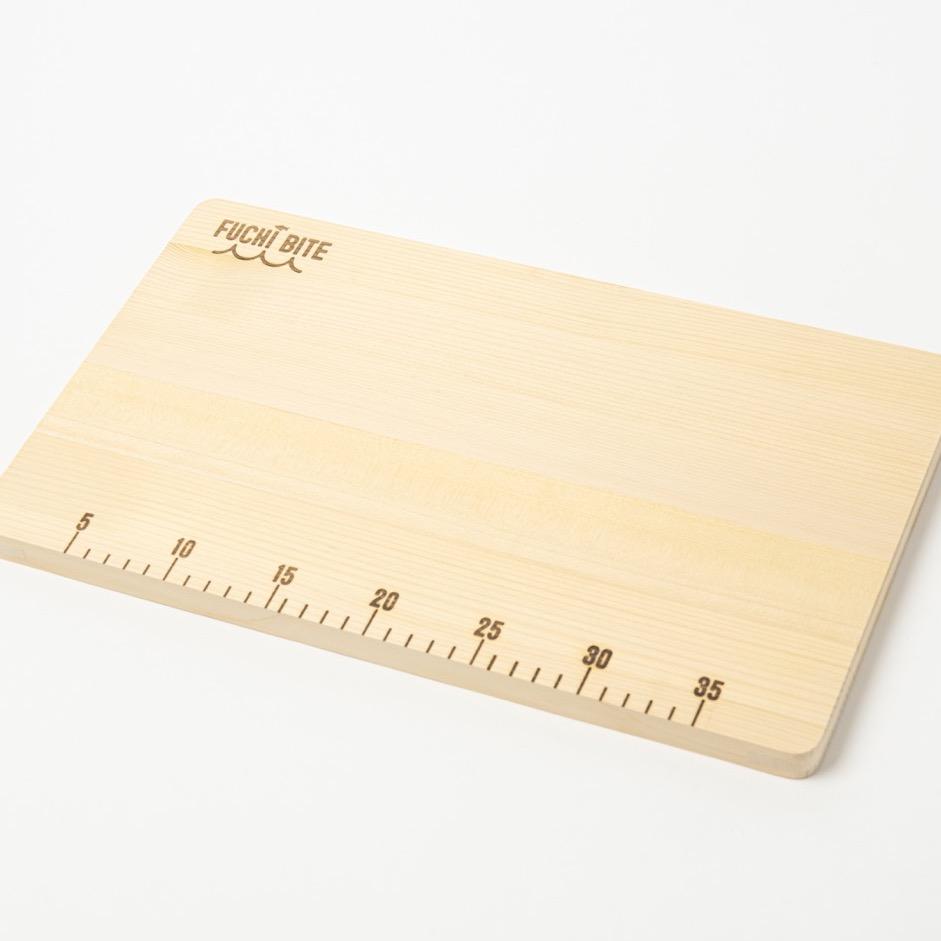 青森ヒバ スケール付きまな板のアイキャッチ画像
